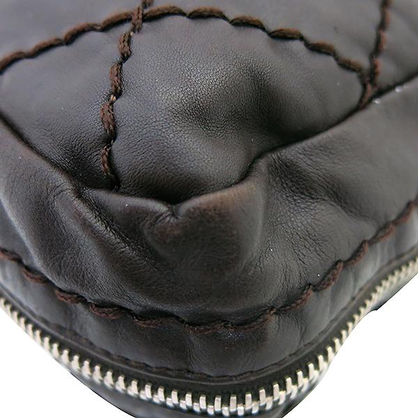 Chanel(샤넬) 브라운 레더 은장로고 와일드스티치  측면지퍼 숄더백 [부산센텀본점] 이미지5 - 고이비토 중고명품