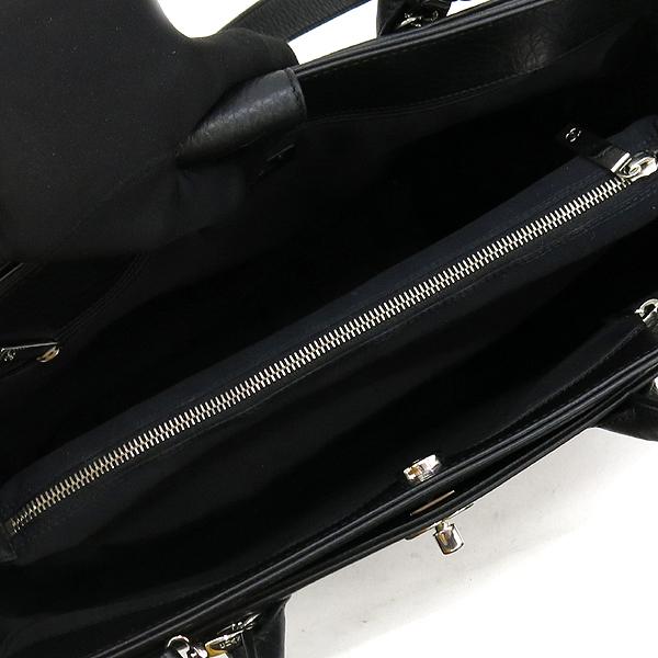 Chanel(샤넬) A15206Y04726 카프스킨 블랙컬러 COCO 은장로고 서프 토트백 + 숄더스트랩 2WAY + 보조 파우치 [강남본점] 이미지5 - 고이비토 중고명품