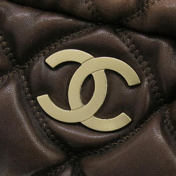 Chanel(샤넬) 다크브라운컬러 레더 퀼팅 버블 스티치 골드메탈 디테일 체인 토트백 [강남본점] 이미지3 - 고이비토 중고명품