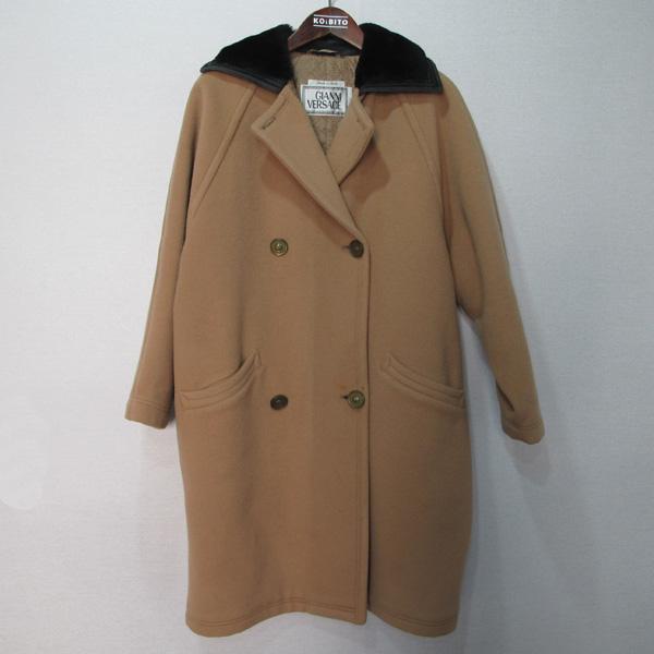 Versace(베르사체) 베이지 컬러 카라 장식 남성용 코트 [대구반월당본점]