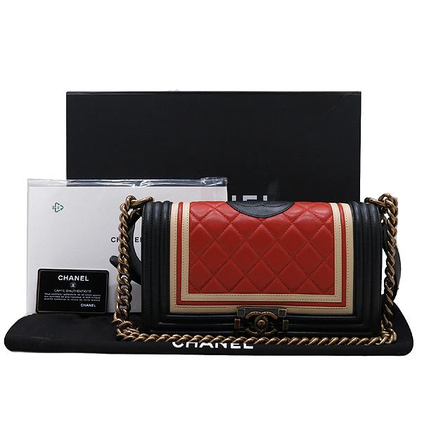 Chanel(샤넬) A67086 2016 크루즈컬렉션  CREST 보이샤넬 M사이즈 램스킨금장 빈티지 체인 숄더백 [인천점]