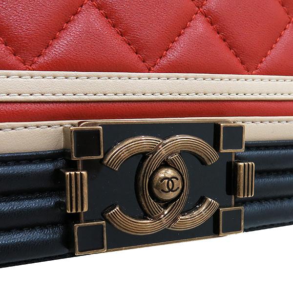 Chanel(샤넬) A67086 2016 크루즈컬렉션  CREST 보이샤넬 M사이즈 램스킨금장 빈티지 체인 숄더백 [인천점] 이미지4 - 고이비토 중고명품