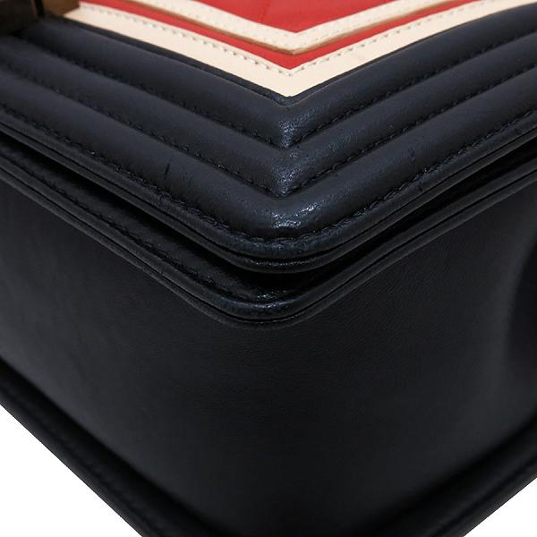 Chanel(샤넬) A67086 2016 크루즈컬렉션  CREST 보이샤넬 M사이즈 램스킨금장 빈티지 체인 숄더백 [인천점] 이미지6 - 고이비토 중고명품