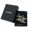 Chanel(샤넬) A41205Y94572 라이트 골드 톤 COCO 로고 귀걸이 [강남본점]