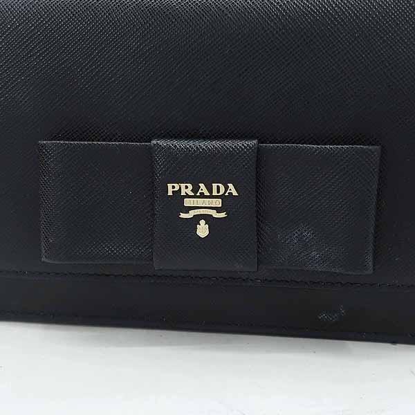 Prada(프라다) 1BH009 블랙 컬러 SAFFIANO(사피아노) 레더 금장 로고 리본 장식 미니 크로스백 [강남본점] 이미지4 - 고이비토 중고명품