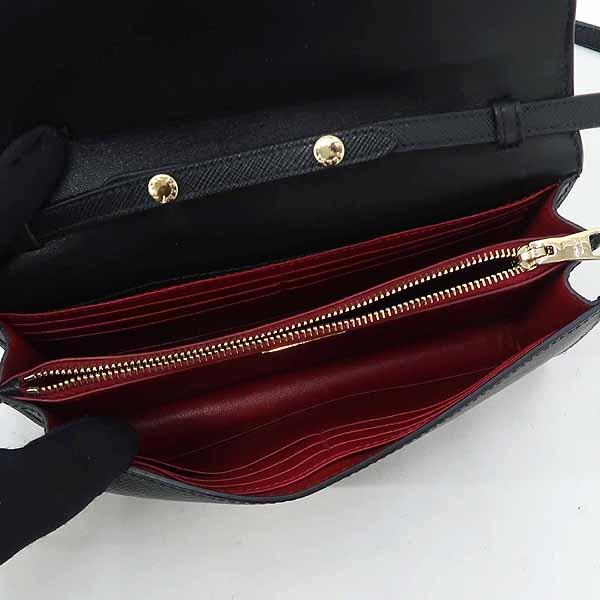 Prada(프라다) 1BH009 블랙 컬러 SAFFIANO(사피아노) 레더 금장 로고 리본 장식 미니 크로스백 [강남본점] 이미지5 - 고이비토 중고명품