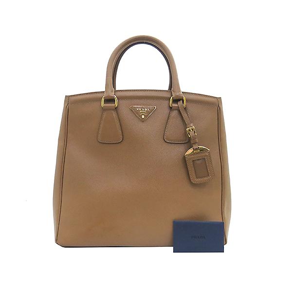Prada(프라다) BN2404 금장 로고 SAFFIANO LUX 사피아노 럭스 브라운 컬러 토트백 [부산센텀본점]