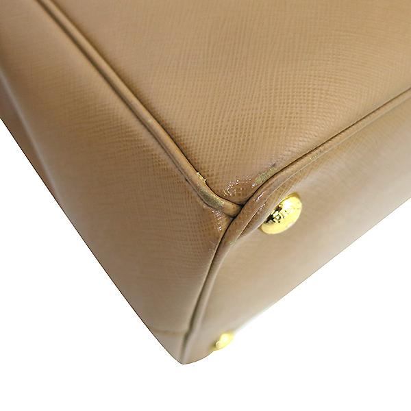Prada(프라다) BN2404 금장 로고 SAFFIANO LUX 사피아노 럭스 브라운 컬러 토트백 [부산센텀본점] 이미지5 - 고이비토 중고명품