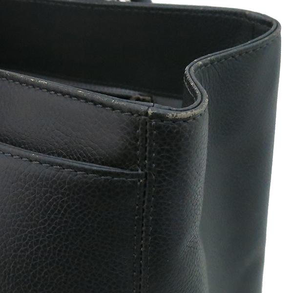 Chanel(샤넬) A15206 카프스킨 다크 그레이 COCO 메탈 은장로고 서프 토트백 + 숄더스트랩 2WAY [부산센텀본점] 이미지4 - 고이비토 중고명품