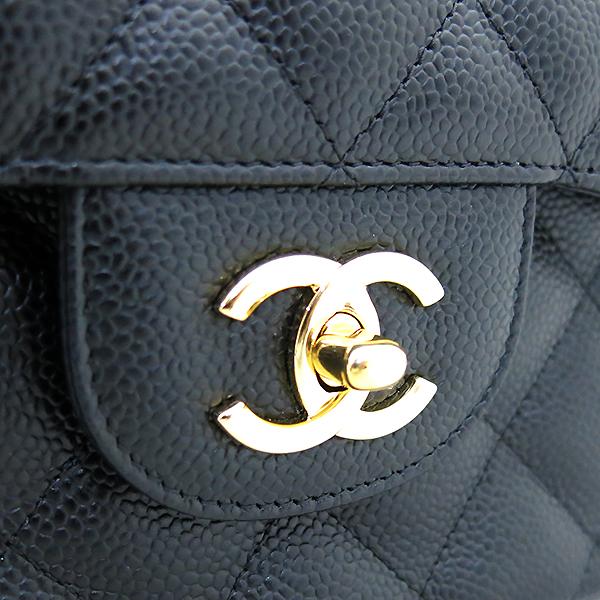 Chanel(샤넬) A58600 캐비어스킨 블랙 클래식 점보 L사이즈 금장로고 체인 플랩 숄더백 [부산센텀본점] 이미지4 - 고이비토 중고명품