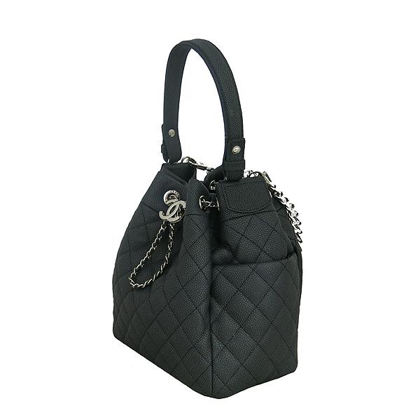 Chanel(샤넬) A91273 블랙 소프트캐비어 드로스트링 버킷 스몰 체인 토트백+숄더 스트랩 [동대문점] 이미지2 - 고이비토 중고명품
