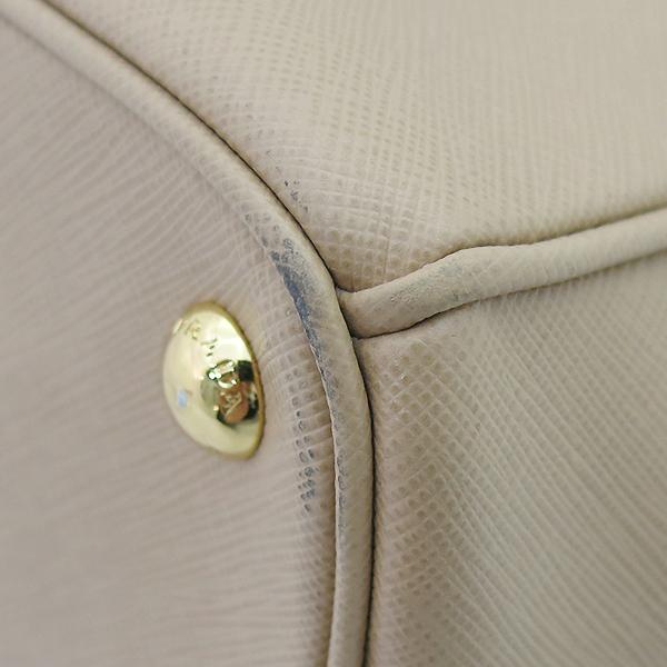 Prada(프라다) BN2274 SAFFIANO LUX NOISETTE 베이지 사피아노 레더 럭스 토트백+숄더스트랩 [부산센텀본점] 이미지6 - 고이비토 중고명품
