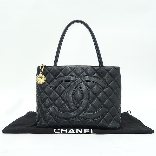 Chanel(샤넬) A01804 블랙 캐비어 스킨 금장 코인 토트백 [강남본점]