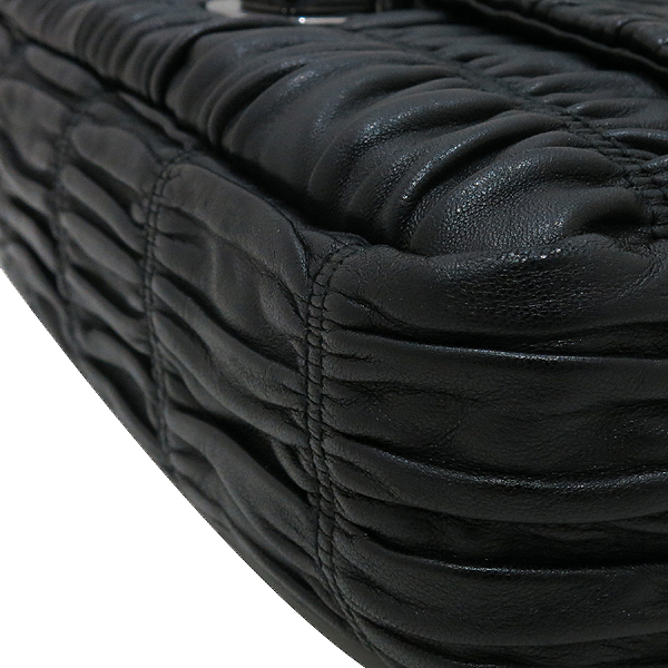 Prada(프라다) BR4553 블랙 컬러 램스킨 나파 고프레 은장 체인 숄더백 [인천점] 이미지6 - 고이비토 중고명품