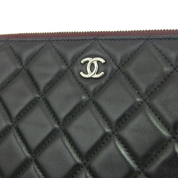 Chanel(샤넬) A82545 블랙 램스킨 은장 COCO 로고 뉴미듐 클러치 [동대문점] 이미지3 - 고이비토 중고명품