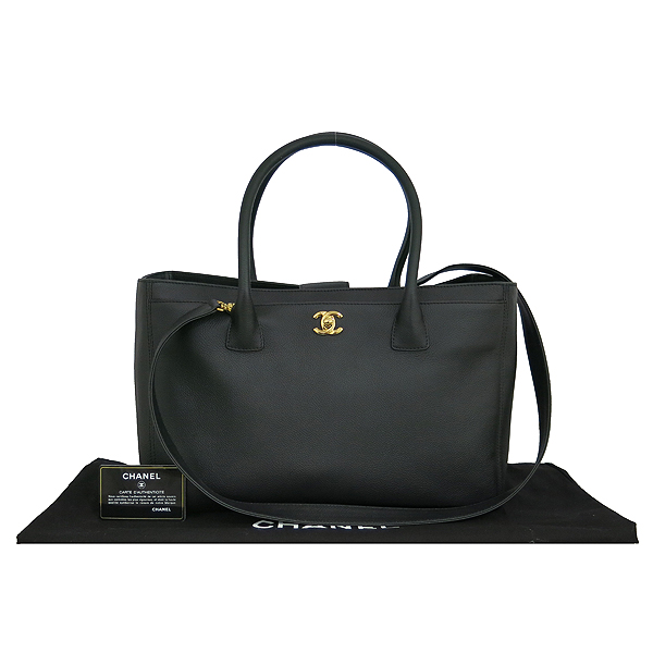 Chanel(샤넬) A15206Y01570 블랙 캐비어 금장 COCO로고 서프 2WAY [동대문점]