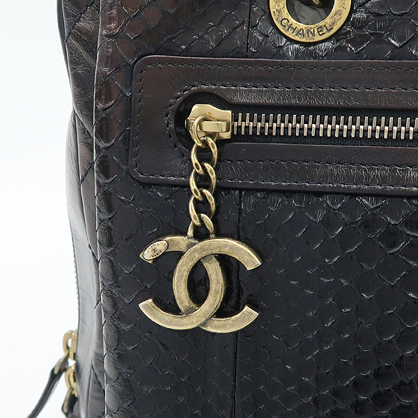 Chanel(샤넬) 블랙 컬러 파이손 카프 레더 혼방 어반 믹스 금장 체인 숄더백 [강남본점] 이미지4 - 고이비토 중고명품