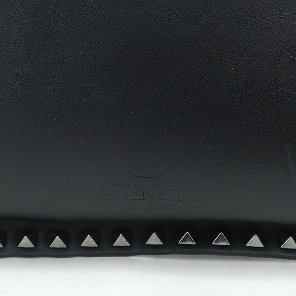 VALENTINO(발렌티노) 락스터드 장식 블랙 레더 L 사이즈 클러치 [잠실점]