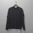 Stone Island (스톤아일랜드) 681565360 18SS 다크그레이 컬러 와펜 패치 남성용 맨투맨 티셔츠 [대구반월당본점]
