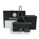 Chanel(샤넬) A0112Y01588 캐비어스킨 블랙 클래식 M사이즈 은장 로고 체인 숄더백 [대구동성로점]