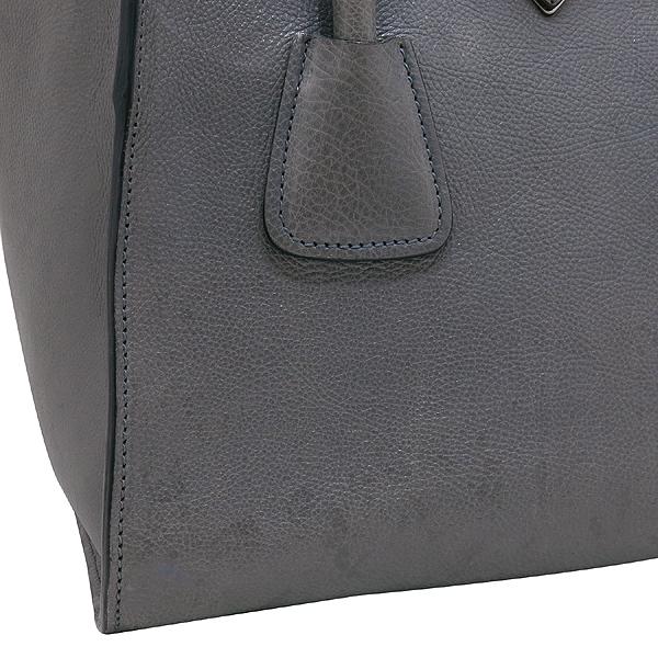 Prada(프라다) B2625M GLACE CALF (글라세카프) 그레이 컬러 더블 지퍼 은장 삼각 로고 토트백 + 숄더스트랩 2WAY [인천점] 이미지5 - 고이비토 중고명품