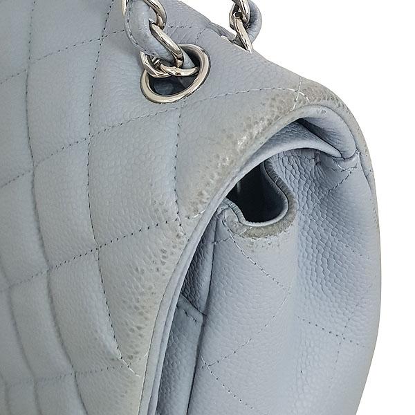 Chanel(샤넬) A58601Y07525 스카이블루 캐비어스킨 클래식 맥시 사이즈 은장 체인 숄더백 [동대문점] 이미지4 - 고이비토 중고명품