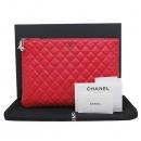 Chanel(샤넬) A82552Y332254 은장 로고 레드 레더 뷰티 CC 클러치백 [인천점]