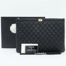 Chanel(샤넬) A80570 블랙 컬러 캐비어스킨 퀼팅 금장 보이 L사이즈 클러치백 [강남본점]