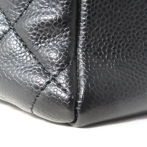 Chanel(샤넬) A50995Y01588 캐비어스킨 블랙 그랜드샤핑 금장 로고 체인 숄더백 [대전본점] 이미지4 - 고이비토 중고명품