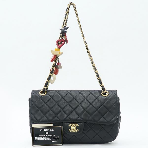 Chanel(샤넬) 램스킨 블랙컬러 발렌타인 COCO 골드메탈 금장로고 백 참 디테일 체인 플랩 숄더백 [강남본점]