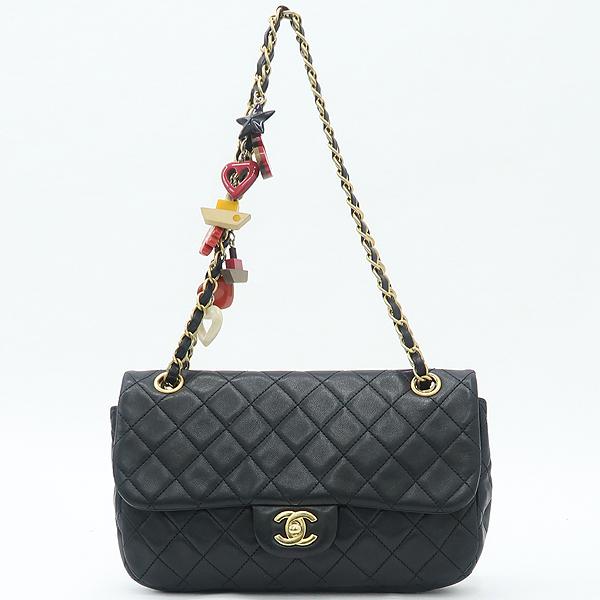 Chanel(샤넬) 램스킨 블랙컬러 발렌타인 COCO 골드메탈 금장로고 백 참 디테일 체인 플랩 숄더백 [강남본점] 이미지2 - 고이비토 중고명품
