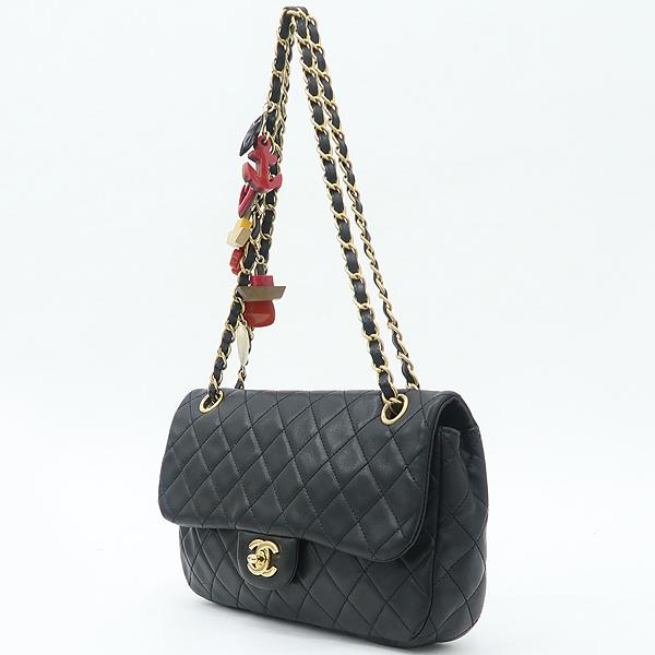 Chanel(샤넬) 램스킨 블랙컬러 발렌타인 COCO 골드메탈 금장로고 백 참 디테일 체인 플랩 숄더백 [강남본점] 이미지3 - 고이비토 중고명품