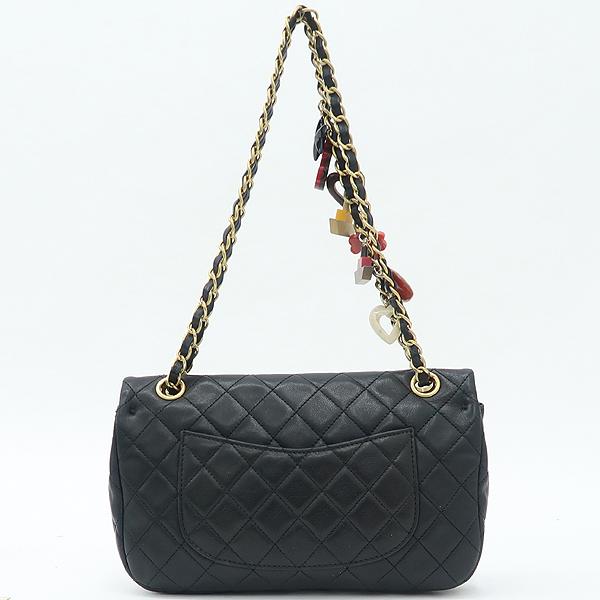 Chanel(샤넬) 램스킨 블랙컬러 발렌타인 COCO 골드메탈 금장로고 백 참 디테일 체인 플랩 숄더백 [강남본점] 이미지4 - 고이비토 중고명품