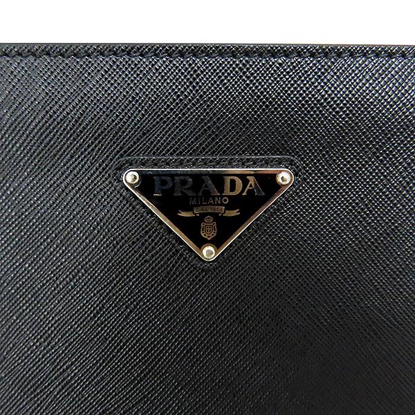 Prada(프라다) 2VN003 은장 SAFFIANO TRAVEL 사피아노 블랙 메탈 로고 집업 클러치 [대전본점] 이미지5 - 고이비토 중고명품