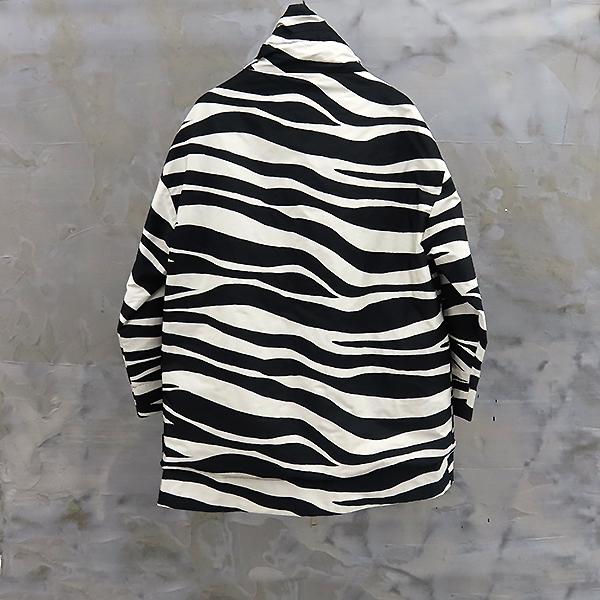 MONCLER(몽클레어) 494120054880 블랙 컬러 Saupe 양면 여성용 자켓 [대전본점] 이미지2 - 고이비토 중고명품