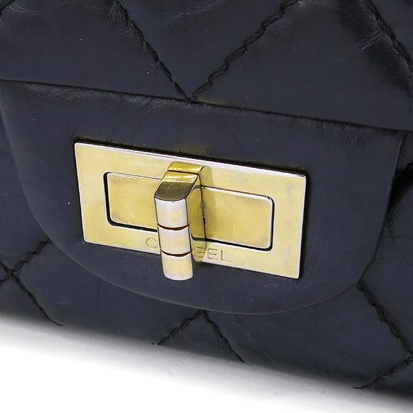 Chanel(샤넬) A37590Y04634 빈티지 블랙 2.55 L사이즈 금장로고 체인 숄더백 [강남본점] 이미지4 - 고이비토 중고명품