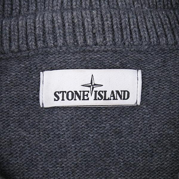 Stone Island (스톤아일랜드) 그레이 컬러 3버튼 측면 와펜 니트 [강남본점]