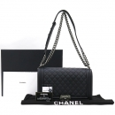 Chanel(샤넬) A92193 Y09953 94305 램스킨 블랙 보이샤넬 L사이즈 루테늄 메탈 로고 체인 플랩 숄더백 [강남본점]