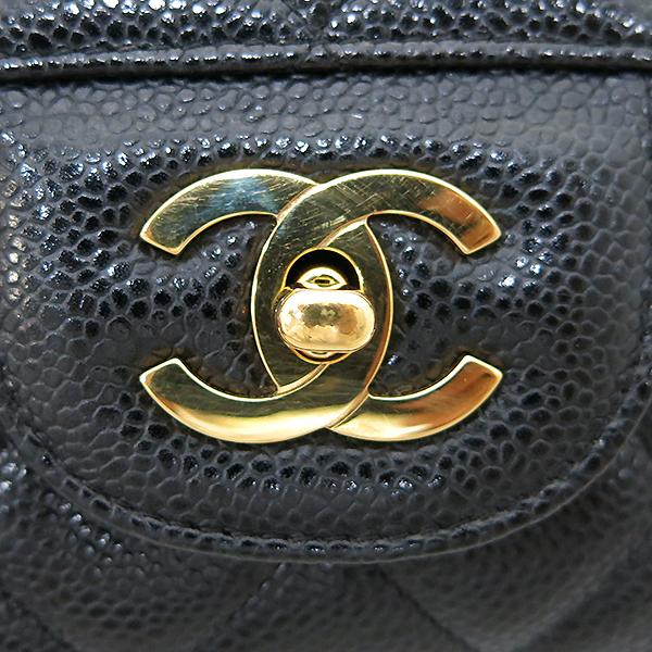 Chanel(샤넬) A28600 캐비어 스킨 블랙컬러 클래식 점보 L사이즈 금장로고 체인 원 플랩 숄더백 [부산센텀본점] 이미지4 - 고이비토 중고명품