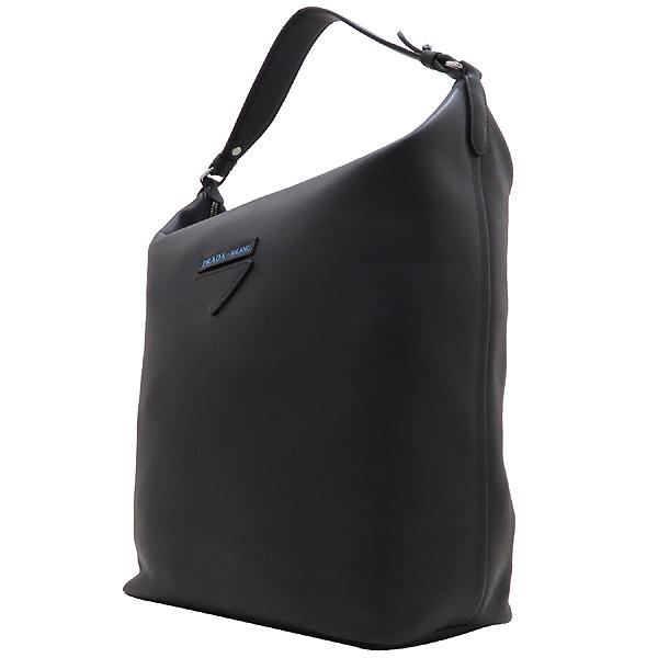 Prada(프라다) 1BC066 블랙 카프 레더 에티켓 레터링 로고 장식 호보 숄더백 + 보조파우치 [인천점] 이미지3 - 고이비토 중고명품