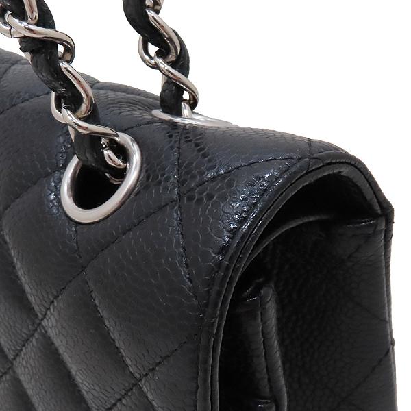 Chanel(샤넬) A01112 캐비어스킨 블랙컬러 클래식 M사이즈 은장 체인 플랩 숄더백 [인천점] 이미지4 - 고이비토 중고명품