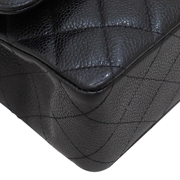 Chanel(샤넬) A01112 캐비어스킨 블랙컬러 클래식 M사이즈 은장 체인 플랩 숄더백 [인천점] 이미지6 - 고이비토 중고명품