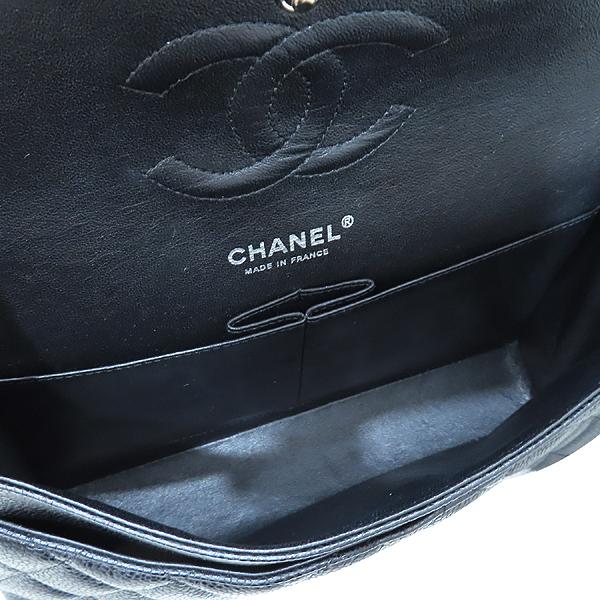 Chanel(샤넬) A01112 캐비어스킨 블랙컬러 클래식 M사이즈 은장 체인 플랩 숄더백 [인천점] 이미지7 - 고이비토 중고명품