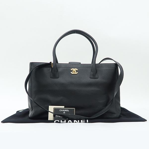 Chanel(샤넬) A15206Y01570 블랙 캐비어 금장 COCO로고 서프 2WAY [강남본점]