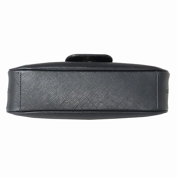 Ferragamo(페라가모) 21 B723 은장 간치니 장식 루시아나 사피아노 블랙 레더 숄더백 [대전본점]