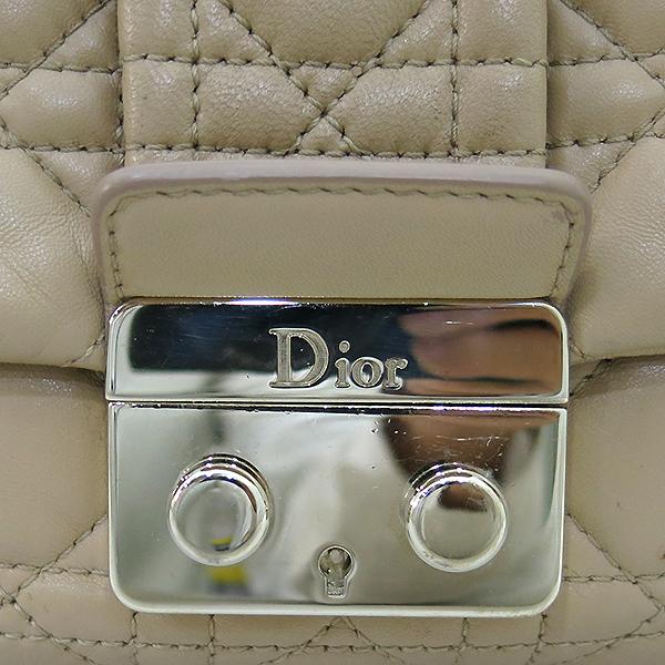 Dior(크리스챤디올) M9803PSSQ 금장 브라운 램스킨 뉴 록 체인 숄더백 [부산센텀본점] 이미지4 - 고이비토 중고명품