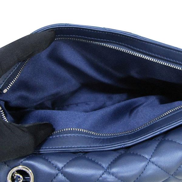 Chanel(샤넬) A94049 네이비 램스킨 클래식 3 트리오 M사이즈 은장 체인 숄더백 [대구반월당본점] 이미지6 - 고이비토 중고명품