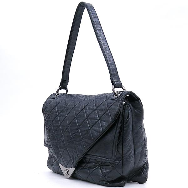 Chanel(샤넬) 블랙컬러 퀼팅 마틀라세 메탈 은장로고 트라이앵글 플랩 숄더백 [강남본점] 이미지2 - 고이비토 중고명품