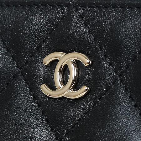 Chanel(샤넬) COCO로고 은장 클래식 램스킨 블랙 라지 사이즈 클러치[광주롯데점] 이미지4 - 고이비토 중고명품
