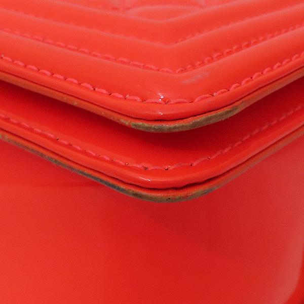 Chanel(샤넬) A67086Y603722B106 보이샤넬 M사이즈 형광 오렌지 페이던트 금장 체인 숄더백 [부산서면롯데점] 이미지7 - 고이비토 중고명품